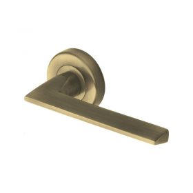 Handles Lever On Rose PYD3535 Pyramid